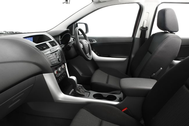 2012-Mazda-BT50-Interior is very comfortable available at Thailand top pickup truck dealer exporter