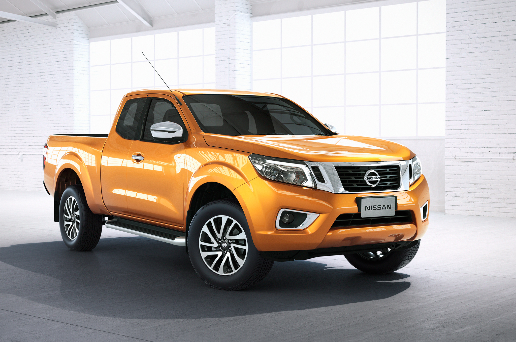 Nissan-NP300-Navara-12th-gen-front-side-view-King-Cab